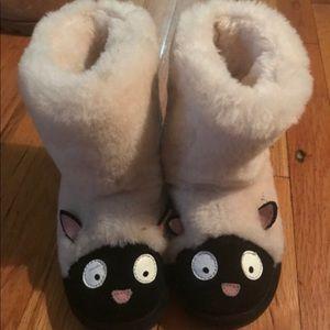 Emu lamb style boots size K12